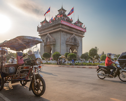 Private overland transfer from Nong Khai to Vientiane