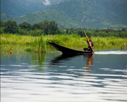 Transfer from hotel on Inle lake to Indein by boat or v.v.