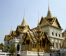 Grand Palace and Wat Pho- half day tour private