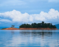 Private Day tour from Vientiane to Nam Ngum Lake