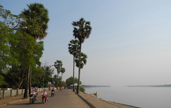 Private Day Tour From Vientiane To Thakhaek