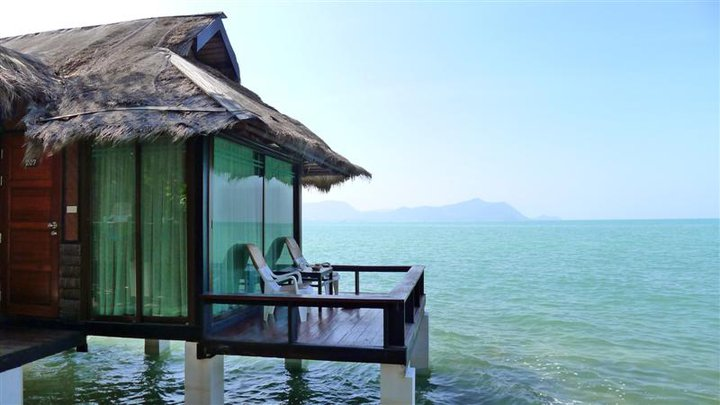 Sunset Village Beach Resort Pattaya